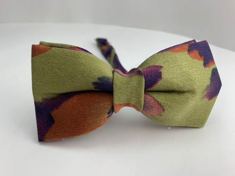 Love Nature Bow Tie