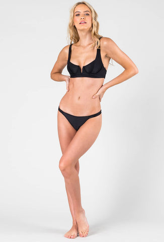 REBEL RIB UNDERWIRE BIKINI TOP - BLACK