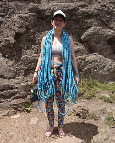 jahna climbing with rope