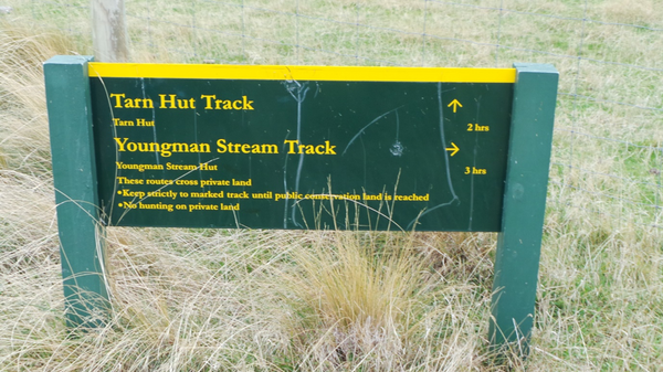 tarn hut doc sign