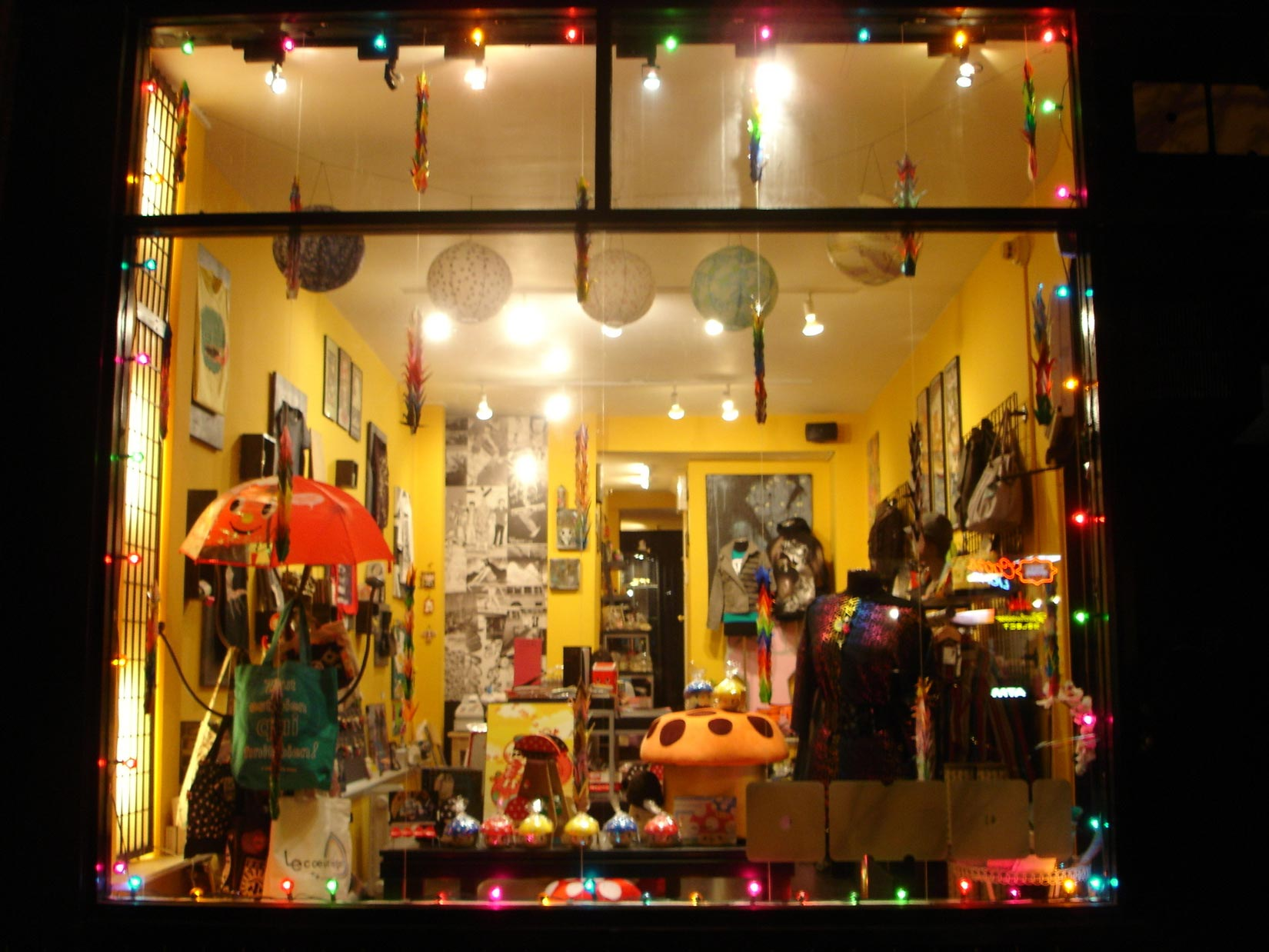 The storefront back in 2008, featuring the magic mushroom stool we all wish we bought