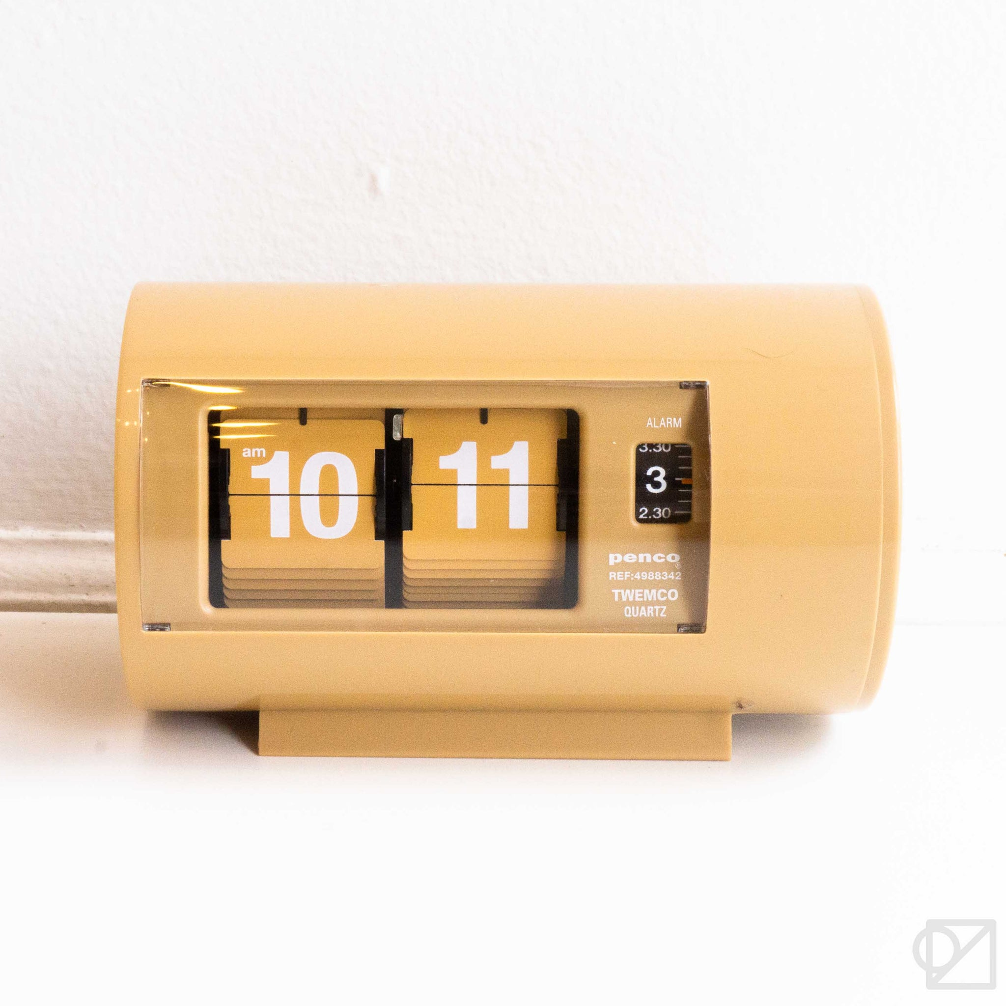PENCO Desk Clock Beige