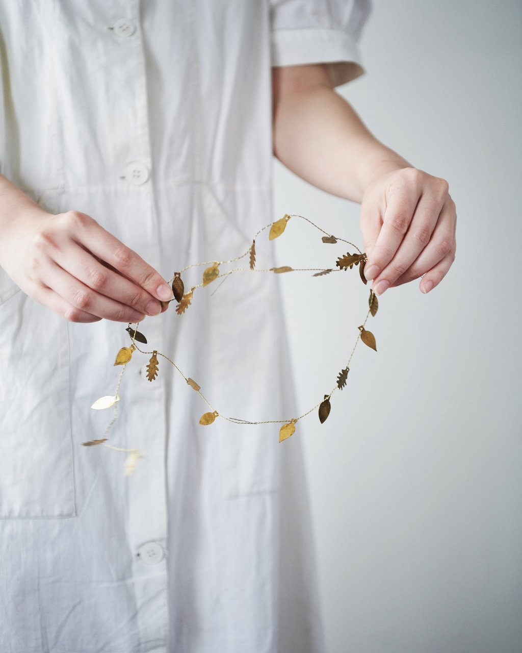 Fog Linen Work Brass Garland | Leaves