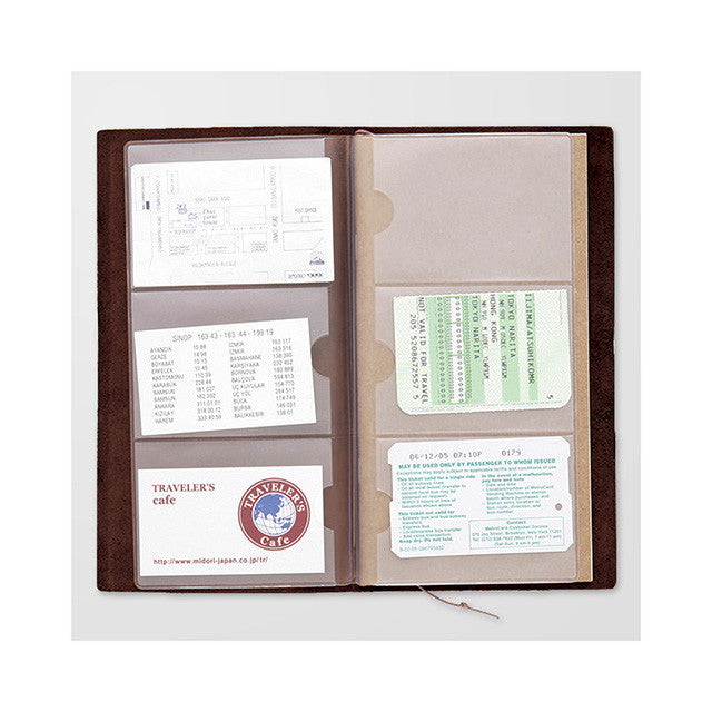Midori Traveler's Note: 007 Business Card File in use