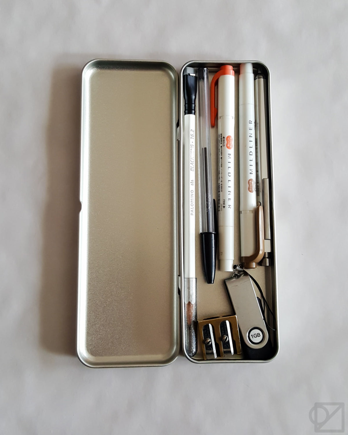 SLIP-ON Stainless Steel Flat Pen Case