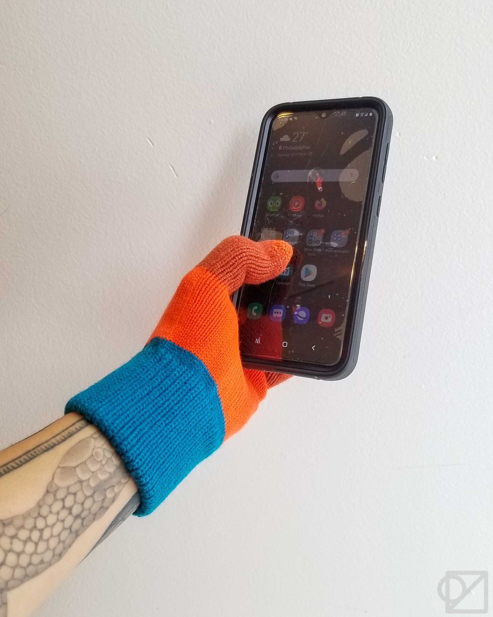 Muted Primary Colorblock Touchscreen Gloves