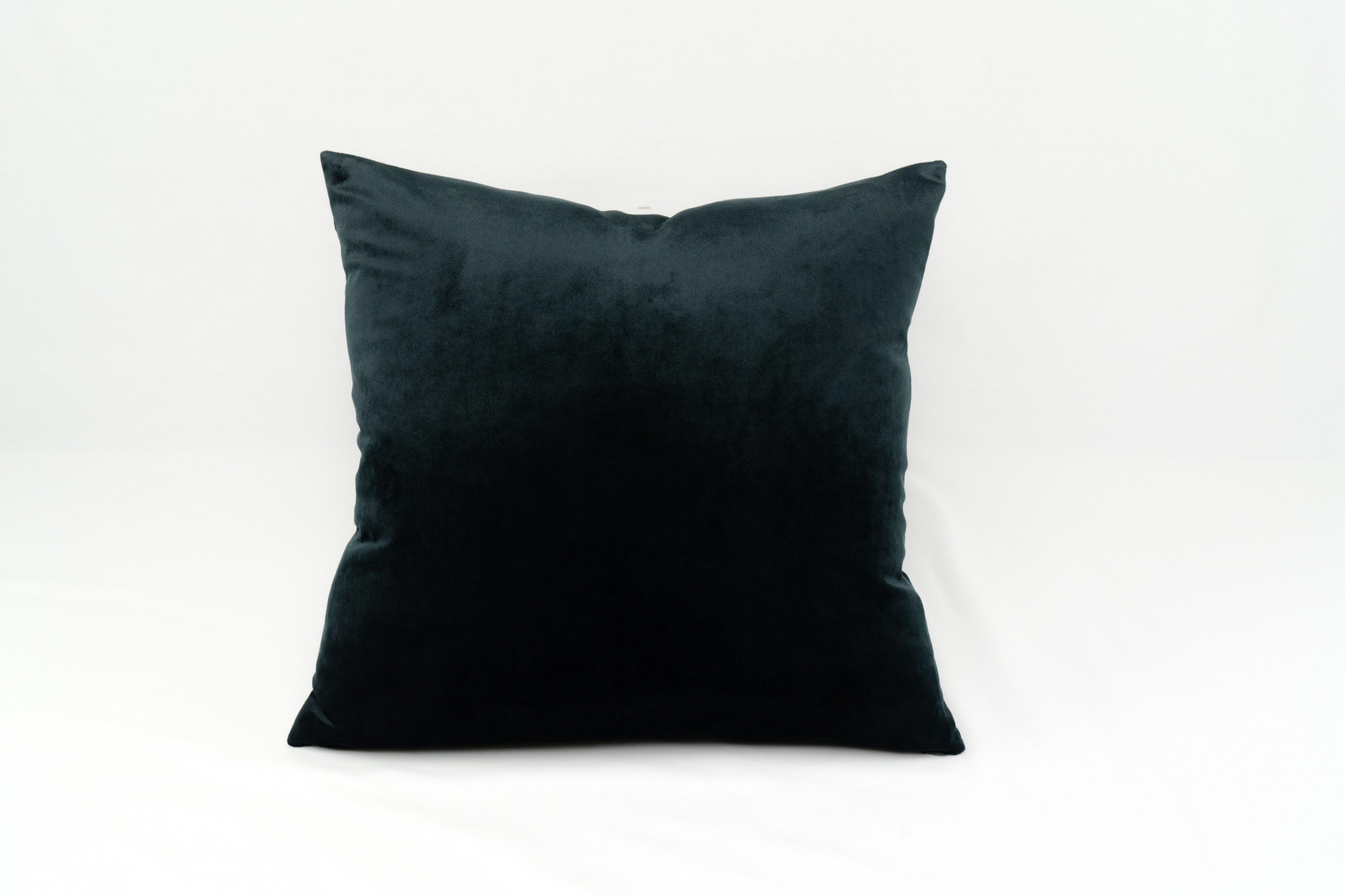 PRESTON | VELVET PILLOW