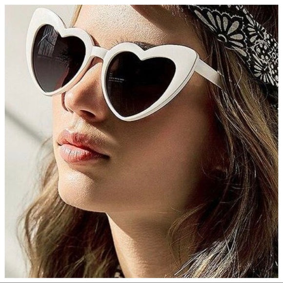 SUMMERS HOTTEST TREND HEART WHITE SUNGLASSES - Shop Evelyne