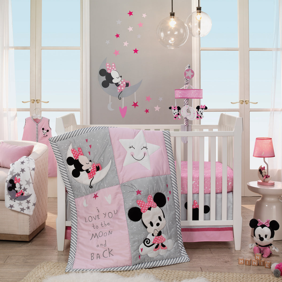 Disney Baby Minnie Mouse Pink 4 Piece Nursery Crib Bedding Set