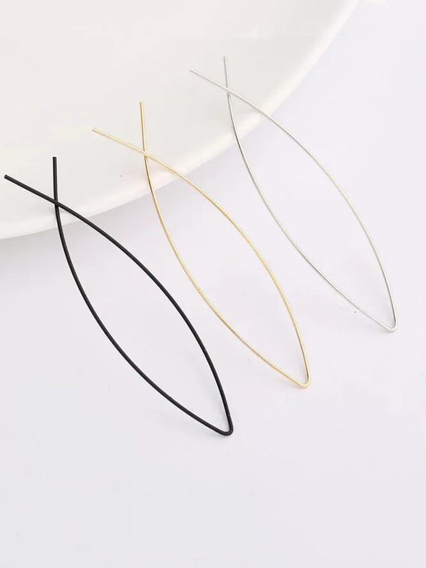 Womens Silver Minimalist Hollow Fish-Shaped Earrings