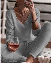 Simple V-neck Long-sleeved Suit
