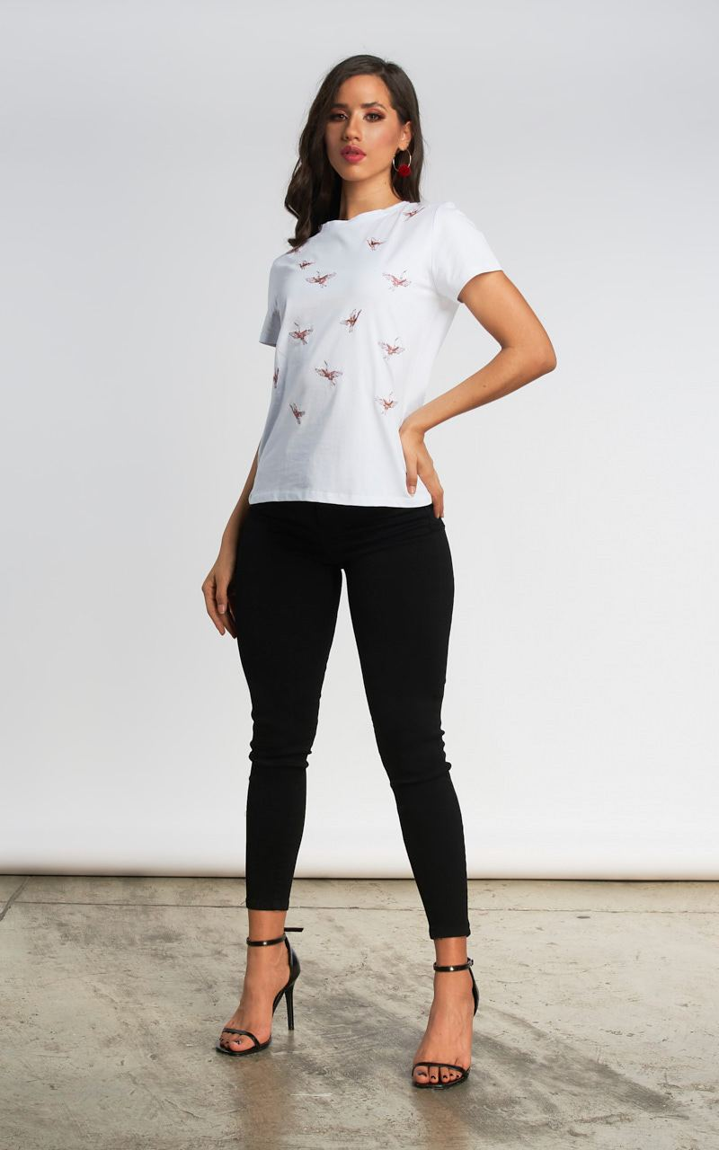 T-SHIRT CON AVES BORDADAS