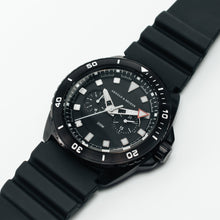 Load image into Gallery viewer, Blue Ocean Diver - Black Barracuda