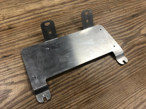 NO-DRILL AMPLIFIER MOUNTING BRACKET
