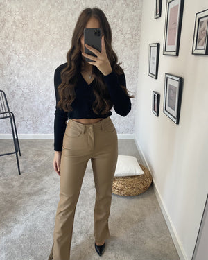 Pantalon à fentes similicuir beige INA Pantalon Fashion address - Boutique mode et accessoires