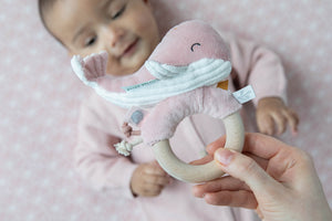 Little Dutch Ring Rattle Ocean - Pink