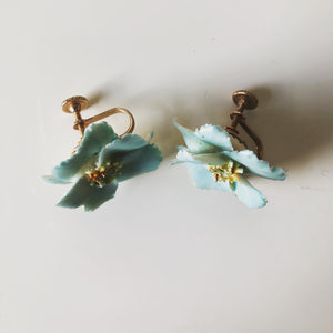 Ceramic blue flower earrings (midcentury)