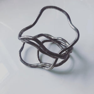 Silver bendable necklace