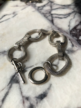 Load image into Gallery viewer, Metalwork bracelet
