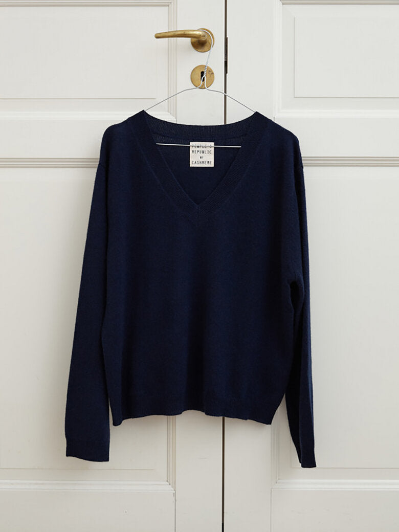 People's Republic Of Cashmere Womens Boxy V Neck - Navy Blue