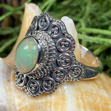 Load image into Gallery viewer, Celtic Queen Ring