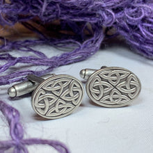 Load image into Gallery viewer, Celtic Trinity Knot Cufflinks