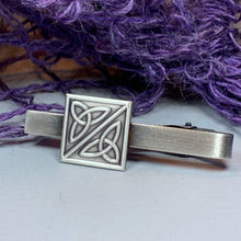 Load image into Gallery viewer, Irish Trinity Knot Tie Bar
