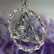 Load image into Gallery viewer, Celtic Triquetra Knot Necklace