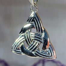 Load image into Gallery viewer, Classic Trinity Knot Necklace