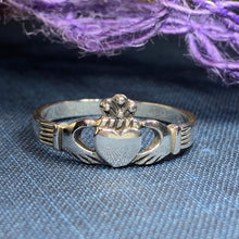 Load image into Gallery viewer, Carrigeen Claddagh Ring