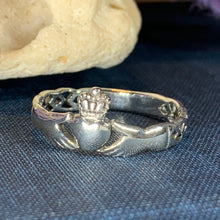 Load image into Gallery viewer, Irish Claddagh Celtic Knot Ring