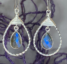 Load image into Gallery viewer, Celtic Knot Labradorite Earrings