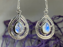 Load image into Gallery viewer, Arela Celtic Goddess Earrings