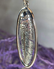 Load image into Gallery viewer, Eagle Feather Necklace