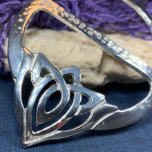 Load image into Gallery viewer, Adaira Celtic Knot Scarf Ring