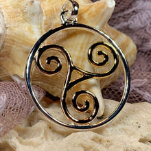 Load image into Gallery viewer, Arawn Celtic Spiral Necklace