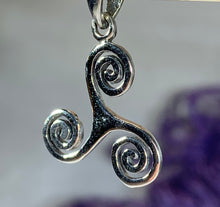Load image into Gallery viewer, Arwyn Celtic Spiral Necklace