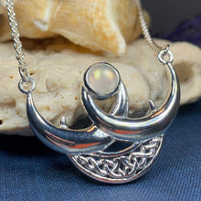 Load image into Gallery viewer, Beauty of Triple Moon Necklace