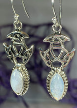 Load image into Gallery viewer, Laidir Celtic Knot Earrings