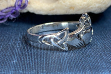 Load image into Gallery viewer, Finnea Claddagh Ring