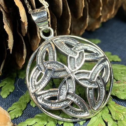 Trinity Knot Necklace, Celtic Knot Jewelry, Irish Jewelry, Scotland Jewelry, Triquetra Pendant, Wiccan Jewelry, Pagan Jewelry, Mom Gift
