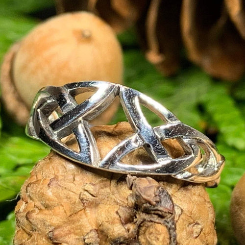 Trinity Knot Ring, Celtic Jewelry, Irish Jewelry, Celtic Knot Jewelry, Irish Ring, Irish Dance Gift, Anniversary Gift, Pagan Jewelry, Wiccan