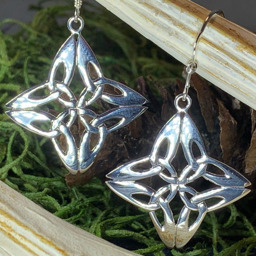 Trinity Knot Earrings, Irish Jewelry, Celtic Jewelry, Mom Gift, Anniversary Gift, Scotland Jewelry, Wife Gift, Celtic Knot Jewelry