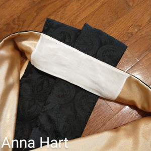 Anna Hart's Black and Gold IHS Stole