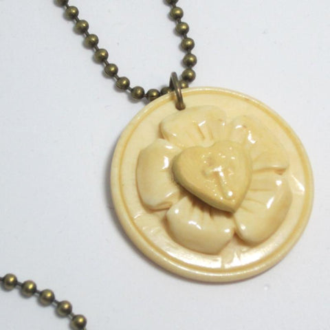Kelly's Ivory Look Luther Rose Necklace