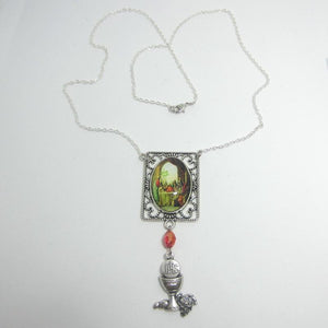 Kelly's Last Supper scene necklace