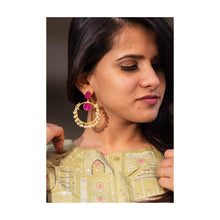 Load image into Gallery viewer, Gold tone chandbali pink druzy stone earrings