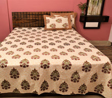 Load image into Gallery viewer, Soft cotton Dabu Print Bedsheet - Orange