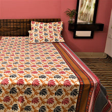 Load image into Gallery viewer, Cotton woven Floral Print Bedsheet