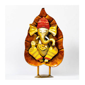 Leaf ganesha with ladoo - Paakhee - Handcrafting Dreams